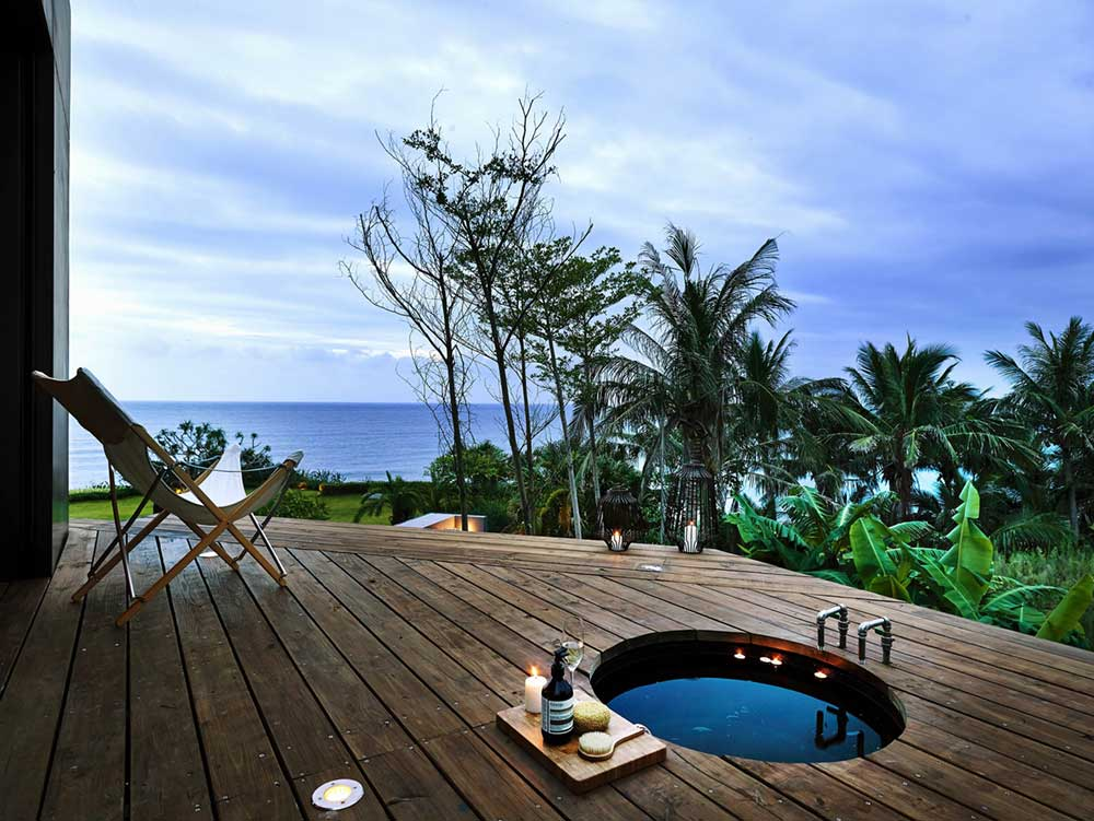 Coastal Home Deck and Hot Tub