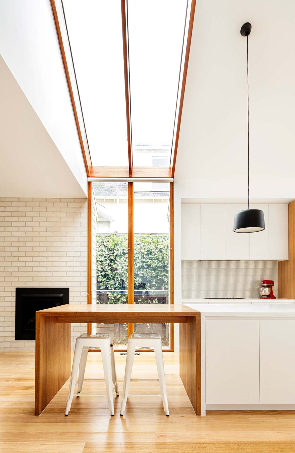 modern cottage design skylight - Gable House