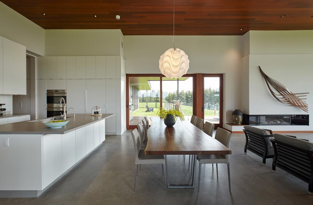 modern country home dining design - Stouffville Residence