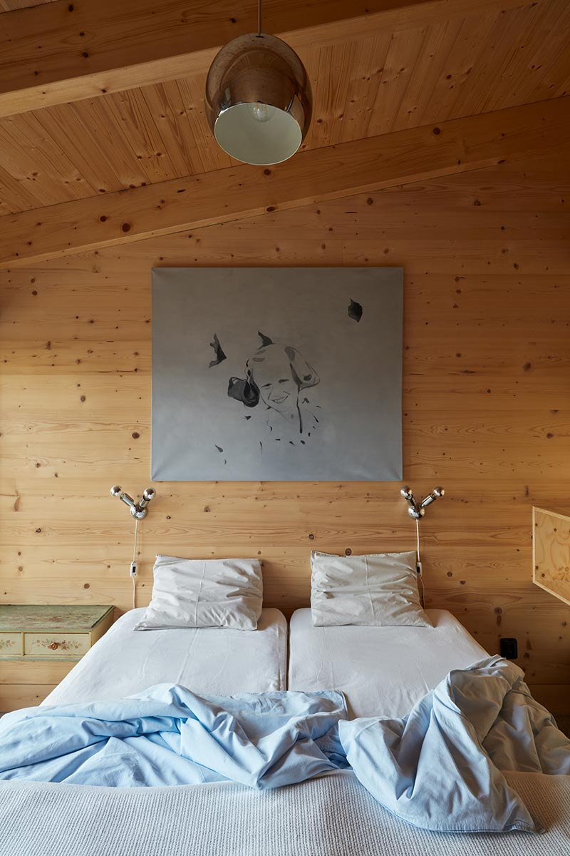 modern country house bedroom design ma - House Behind a Wall