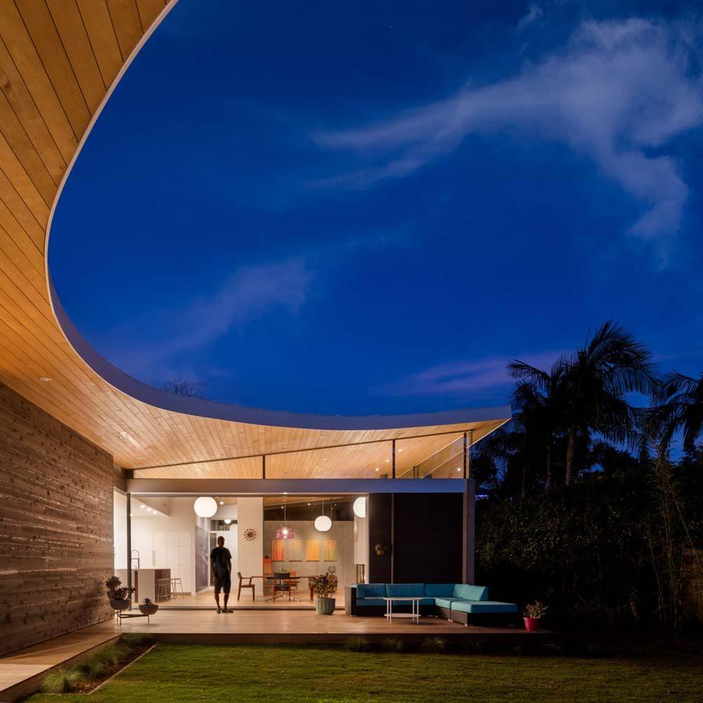 Modern courtyard house design