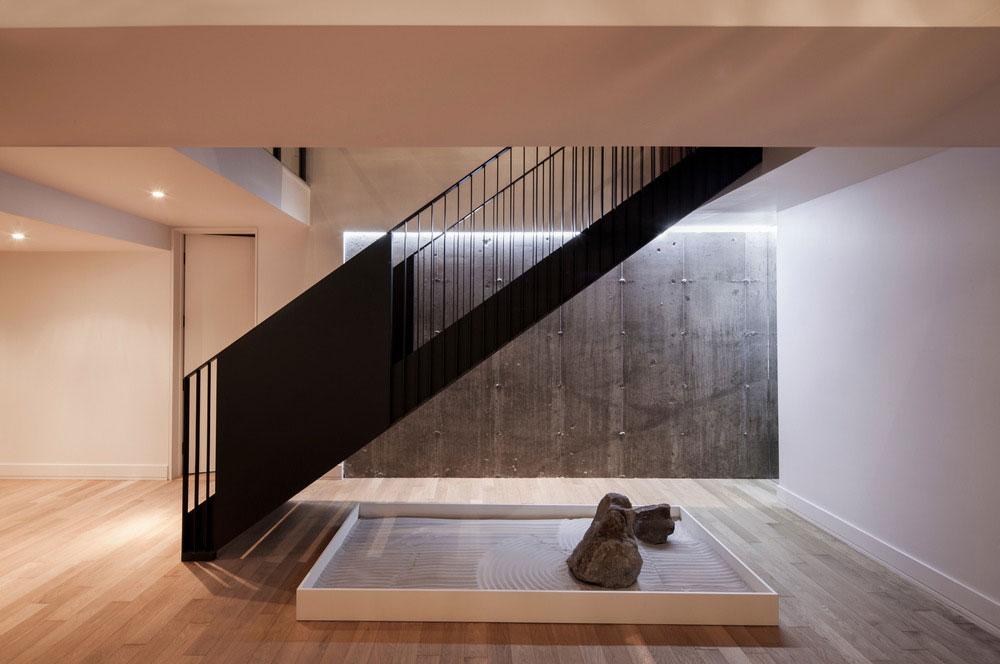 modern-family-home-am4