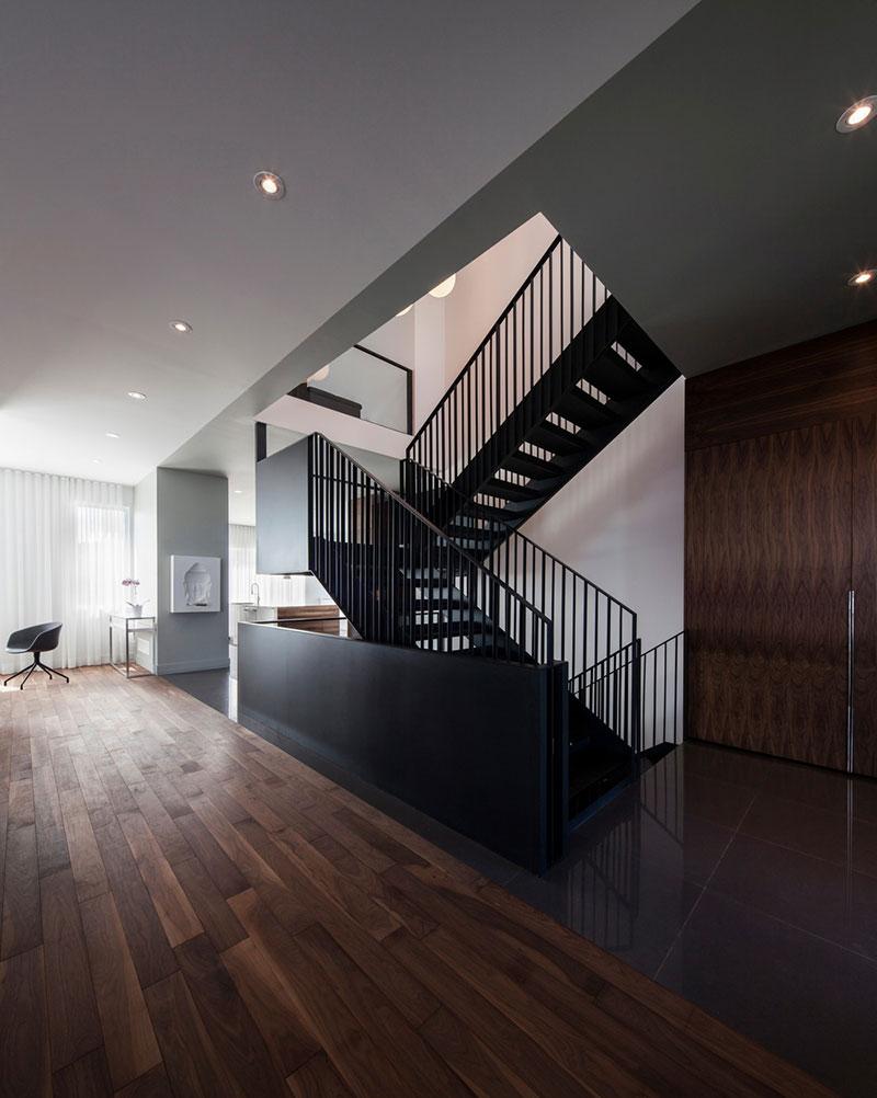 modern-family-home-am5