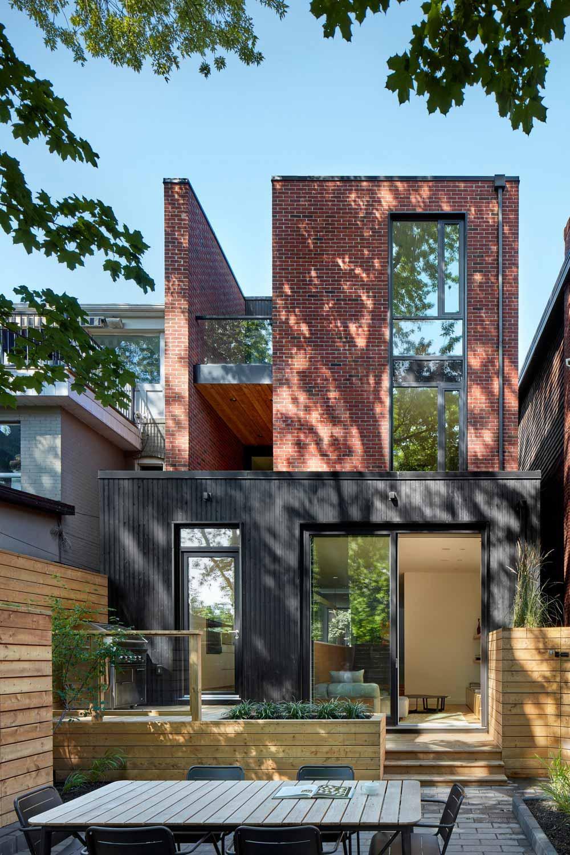 modern family home back akb - Summerhill House