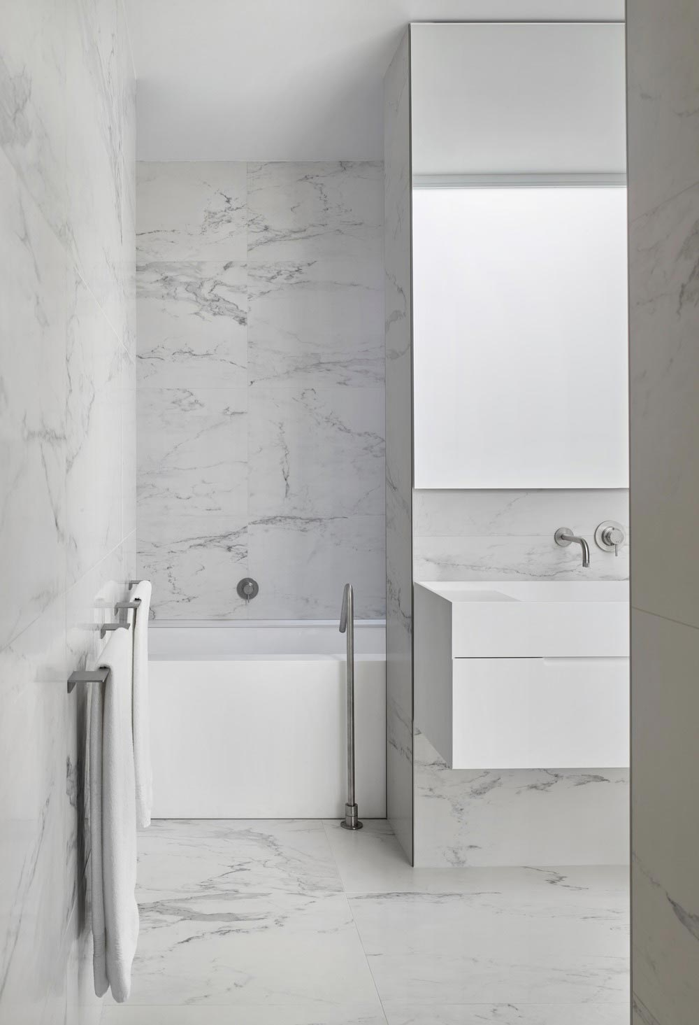 modern family home bathroom akb - Summerhill House