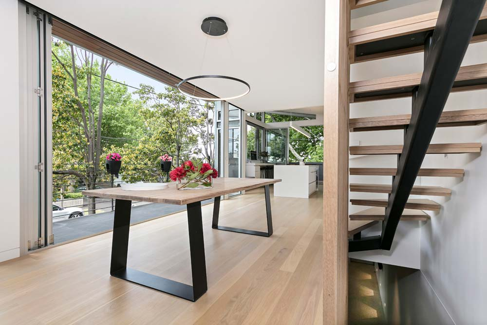 modern family home dining - Port Melbourne Residence