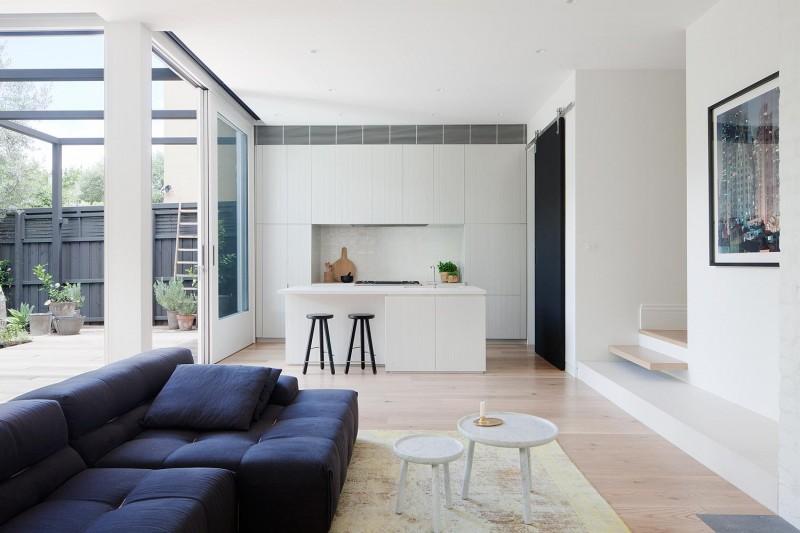 modern family home elwd 800x533 - Elwood Residence