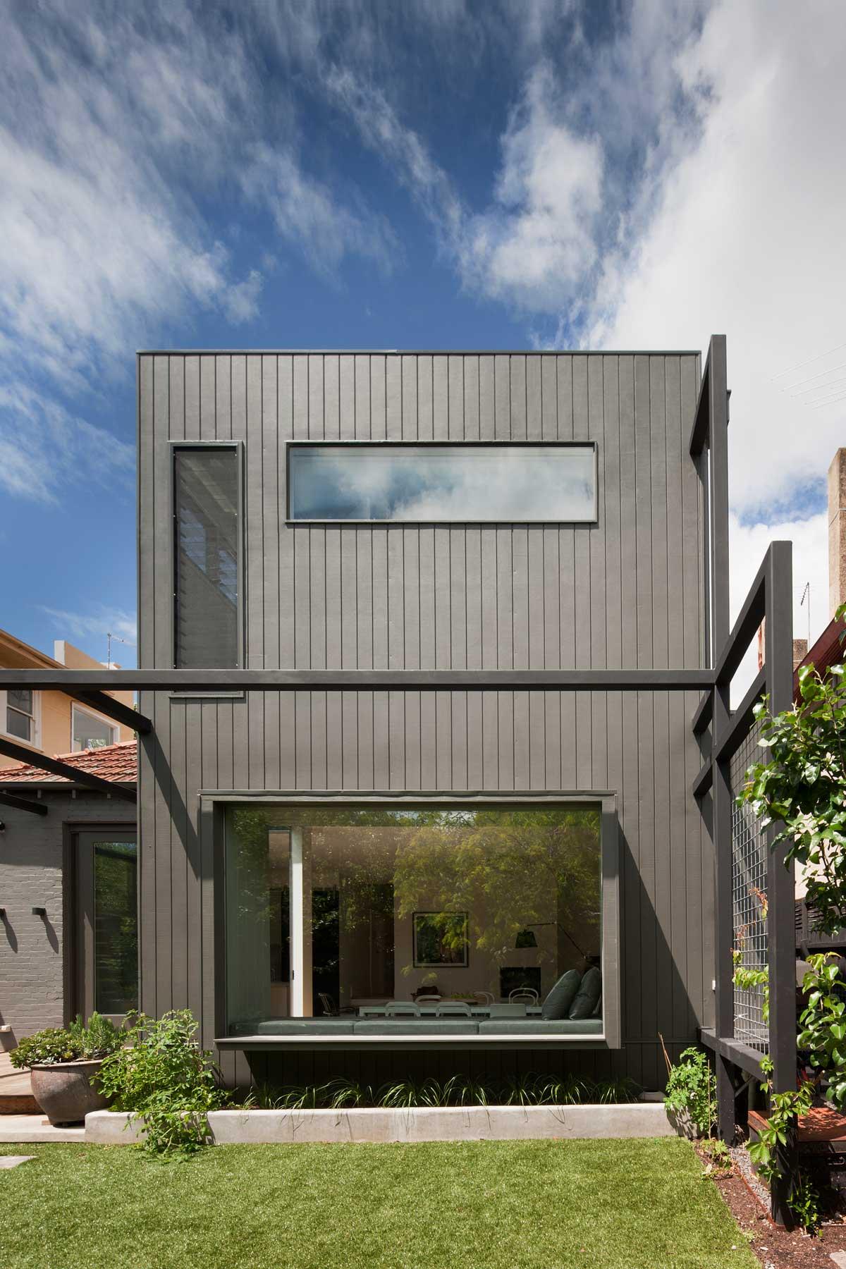 modern-family-home-elwd8