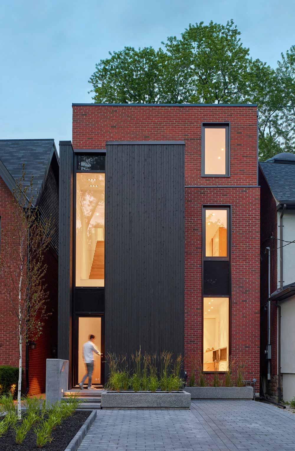 modern family home facade akb - Summerhill House