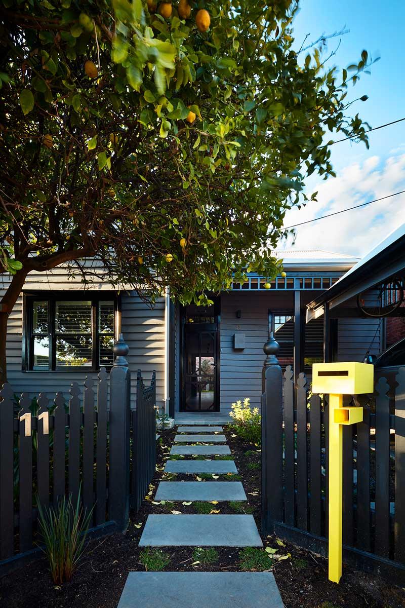 modern family home facade design ba - Brooks House