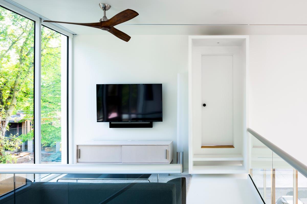 modern family home living design 2 - Stack House