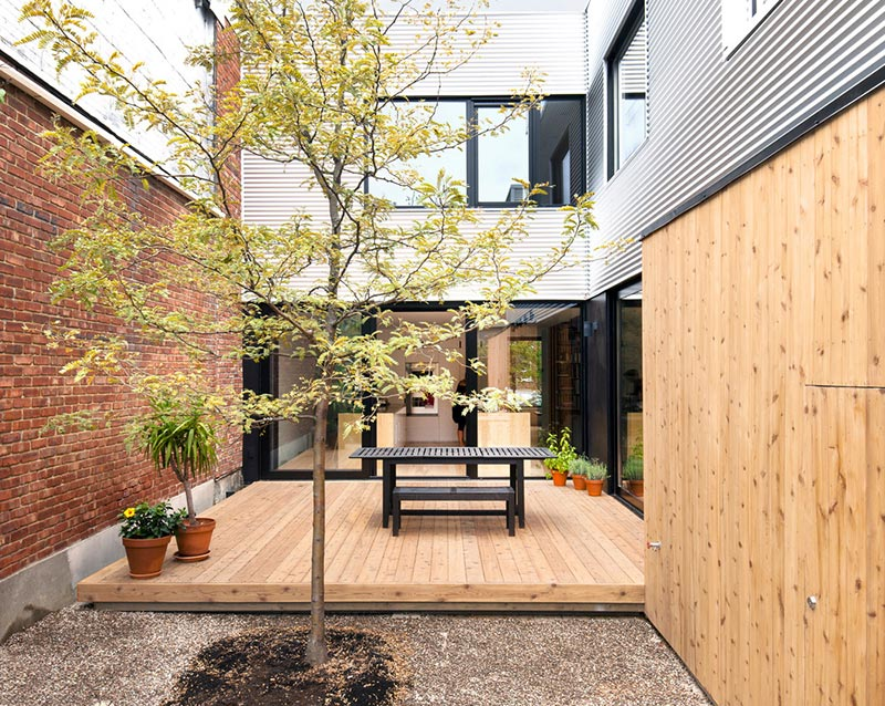 modern-family-home-shed8