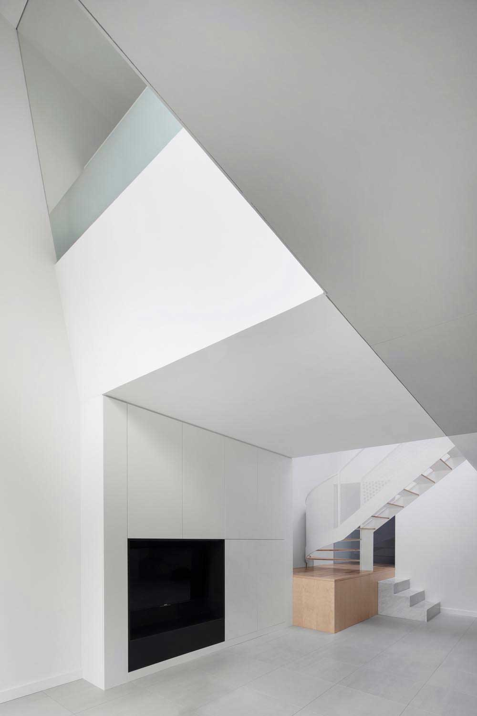 modern family house staircase - De la Roche Residence