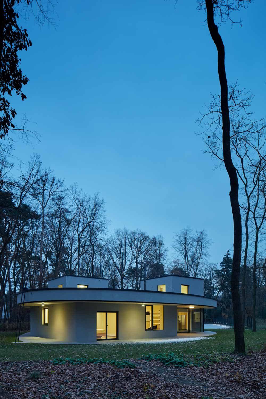 modern forest villa mjolk 1000x1500 - Forest Villa