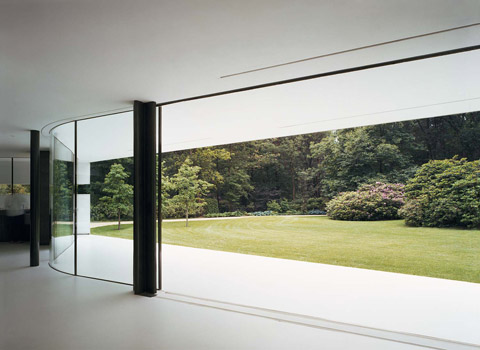 modern-glass-villa-1