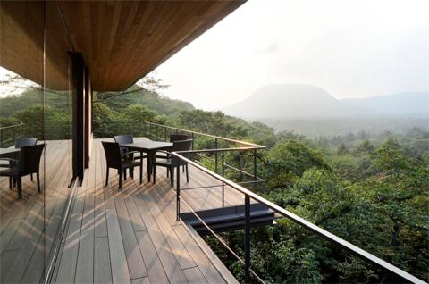 modern-hill-house-japan-10