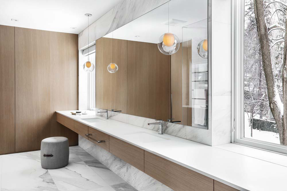 modern home bathroom csd - Lazard Avenue Residence