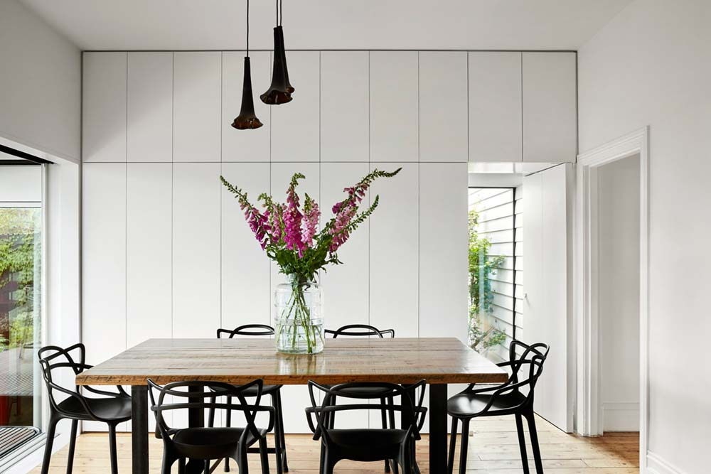 modern home extension dining - Kiah House