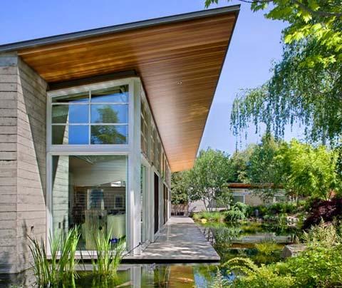 modern-home-pond-atrtn