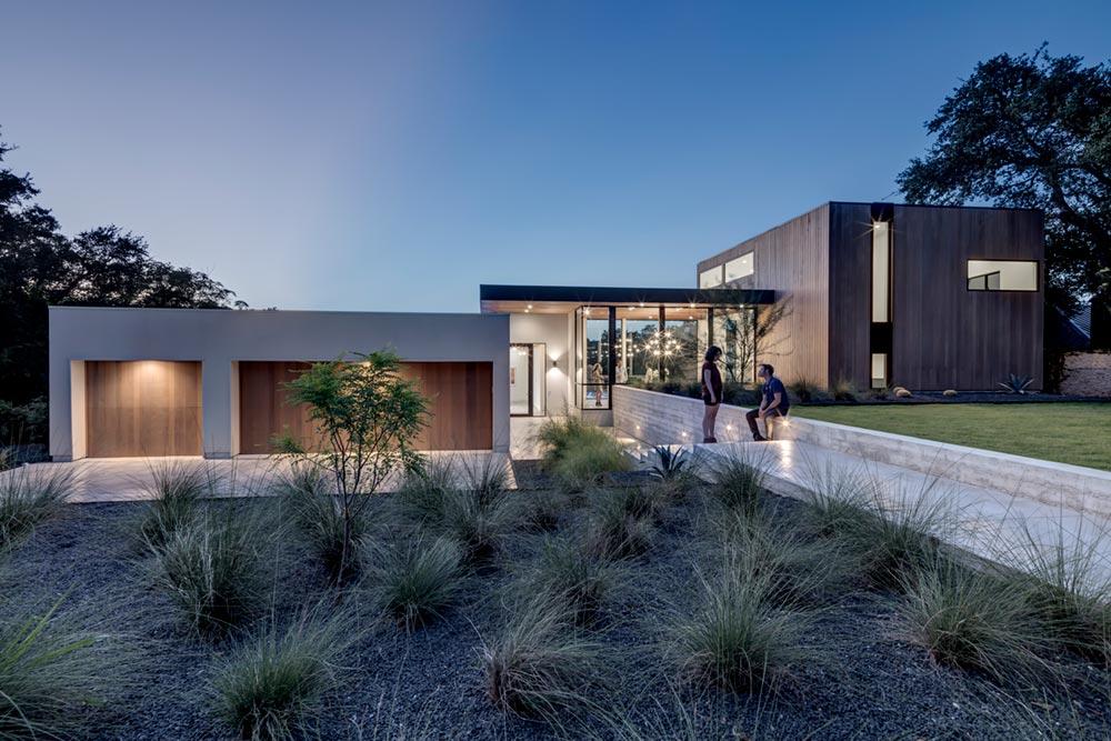 modern house courtyard mf1 - [Bracketed Space] House