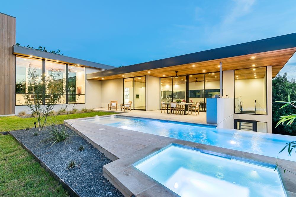 modern house courtyard mf3 - [Bracketed Space] House
