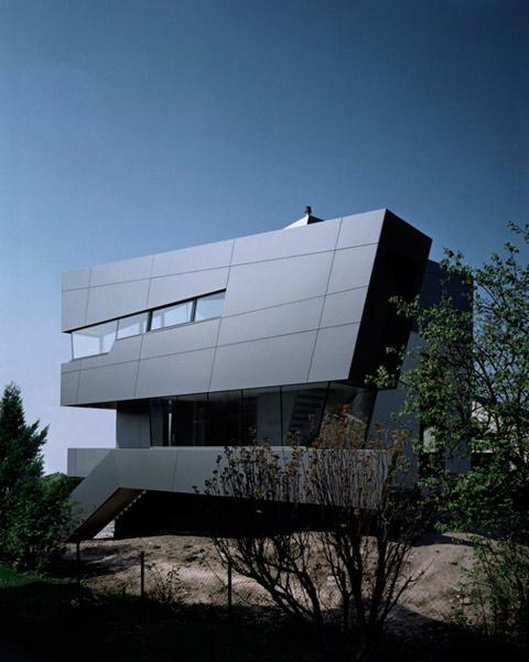 House In Fichtestrasse Statics Vs Dynamics Modern