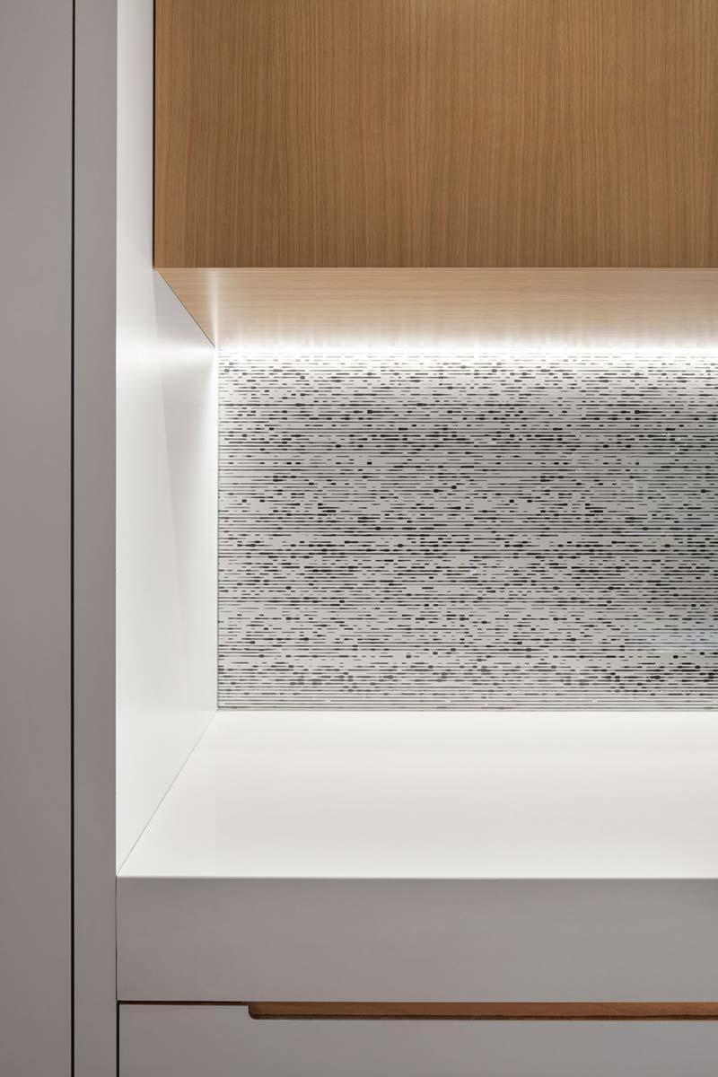 modern house kitchen backsplash - Courcelette Residence
