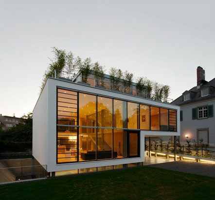 modern-house-light-r