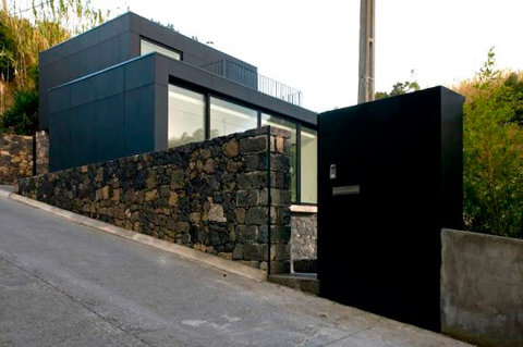 N2X035 House Out of The Ruins Modern Architecture
