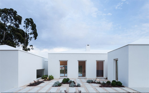 modern-house-portugal-bls1