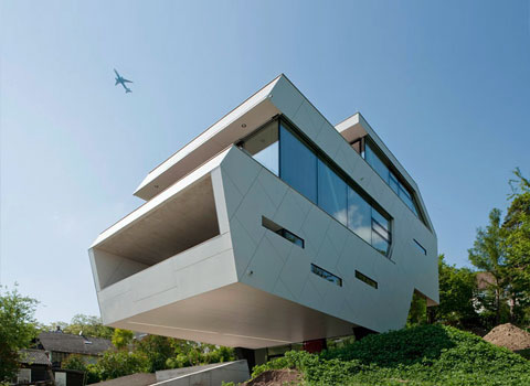 Plak house gently taking off modern architecture for Architektur einfamilienhaus modern