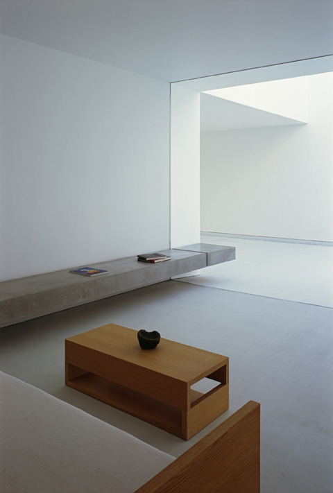 modern-house-white-cave5
