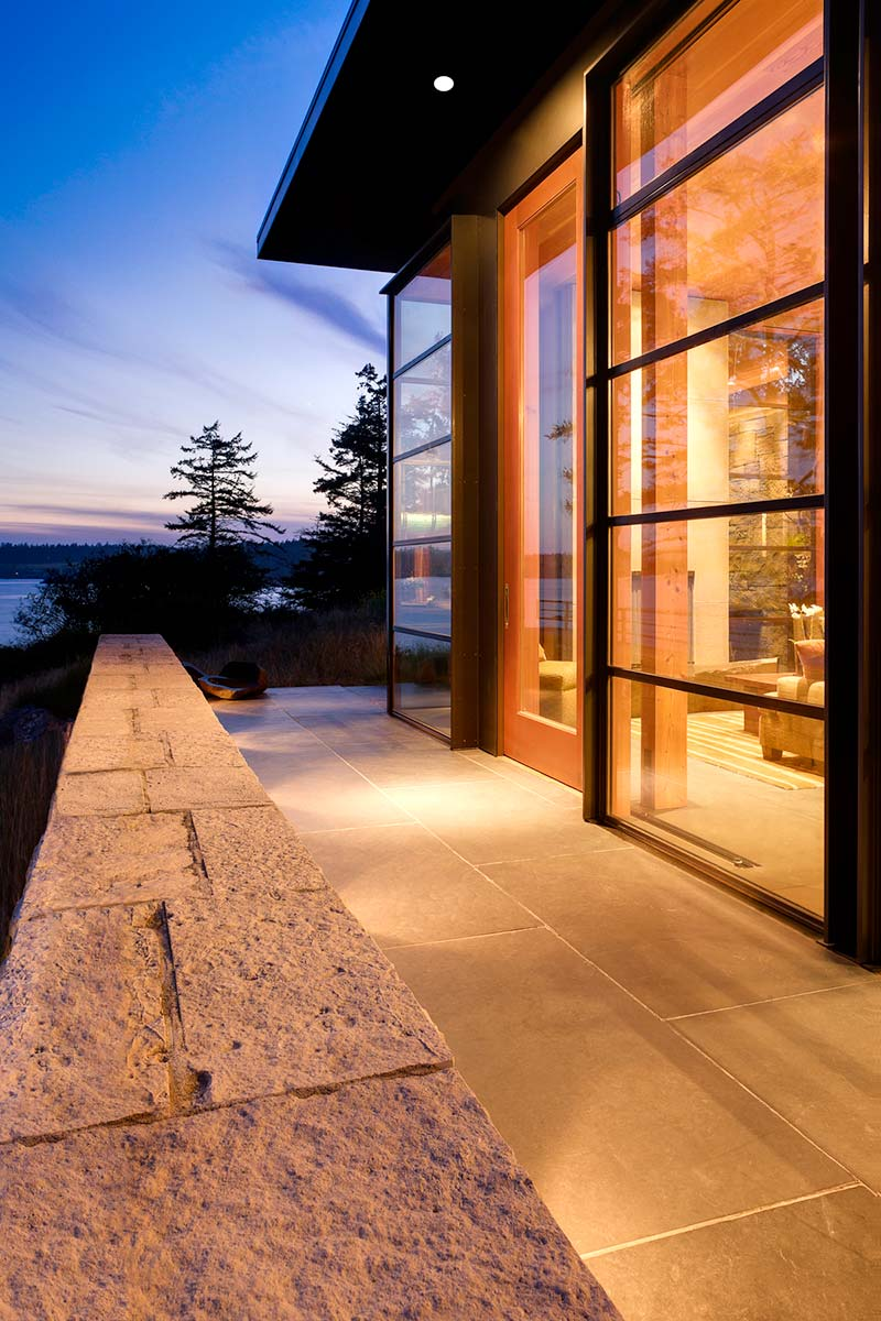 modern island cabin design glass - North Bay Residence