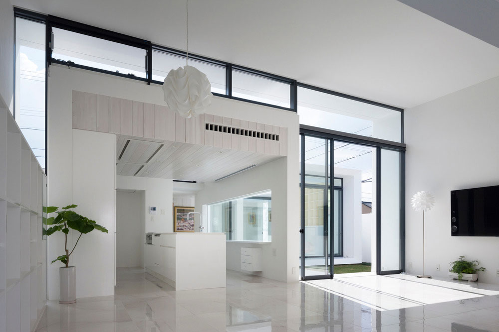 Modern Japanese house design all in white