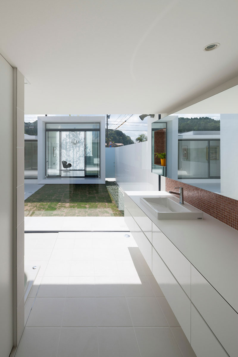 Modern Japanese house inner courtyard