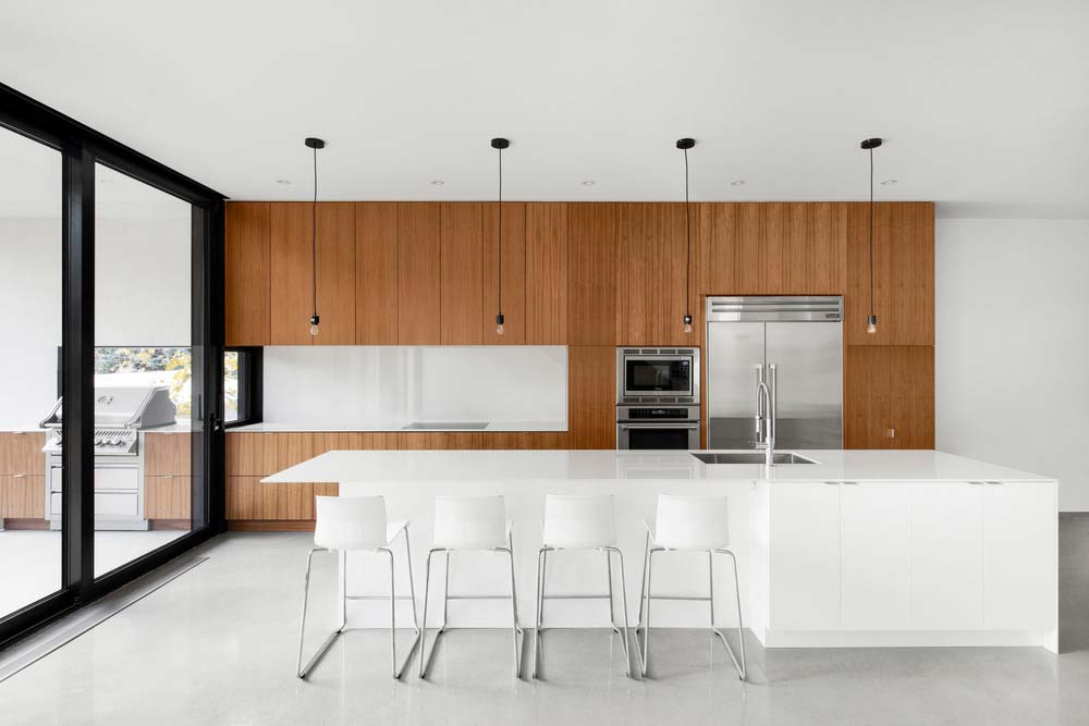 Modern kitchen island design