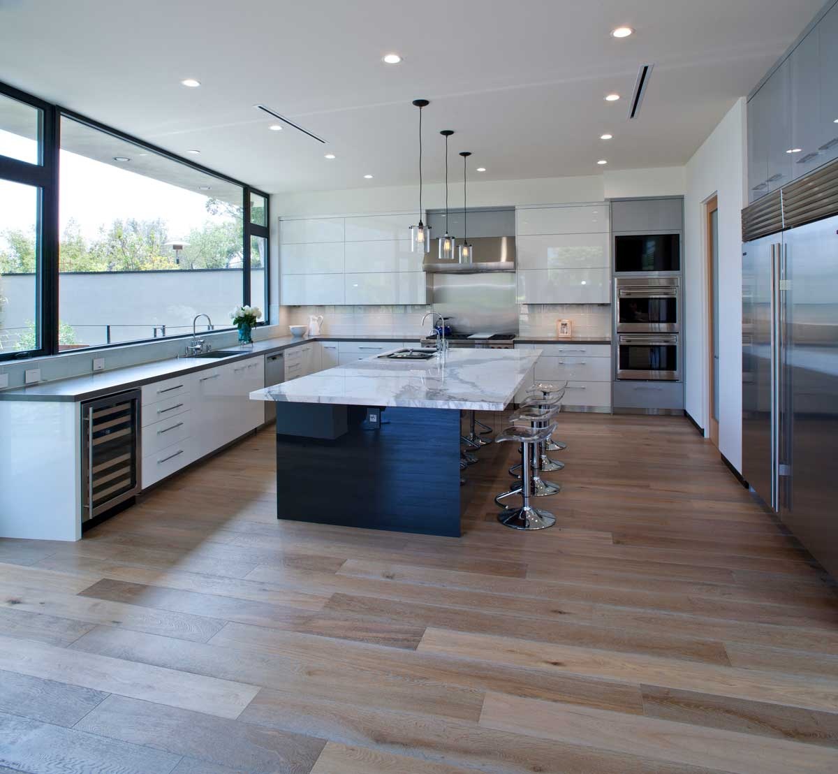 modern la home kitchen design mo - Bellino Residence