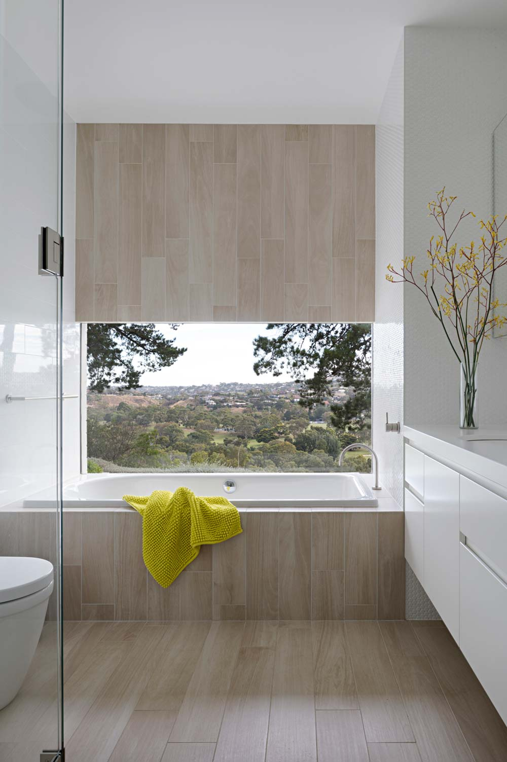 modern mid century bathroom design - Newtown House