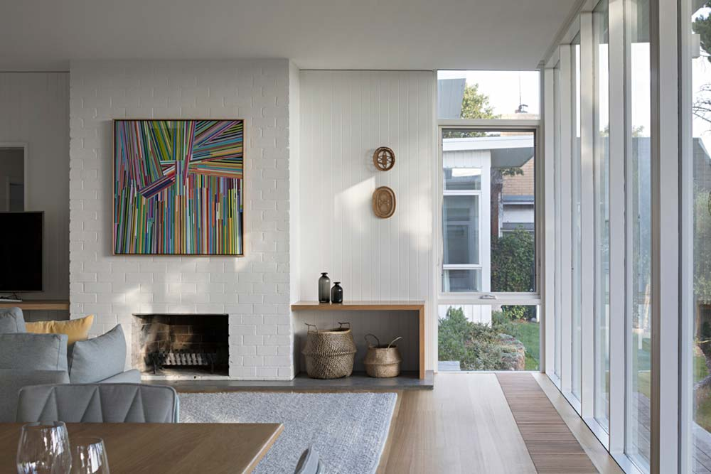 modern mid century fireplace design - Newtown House