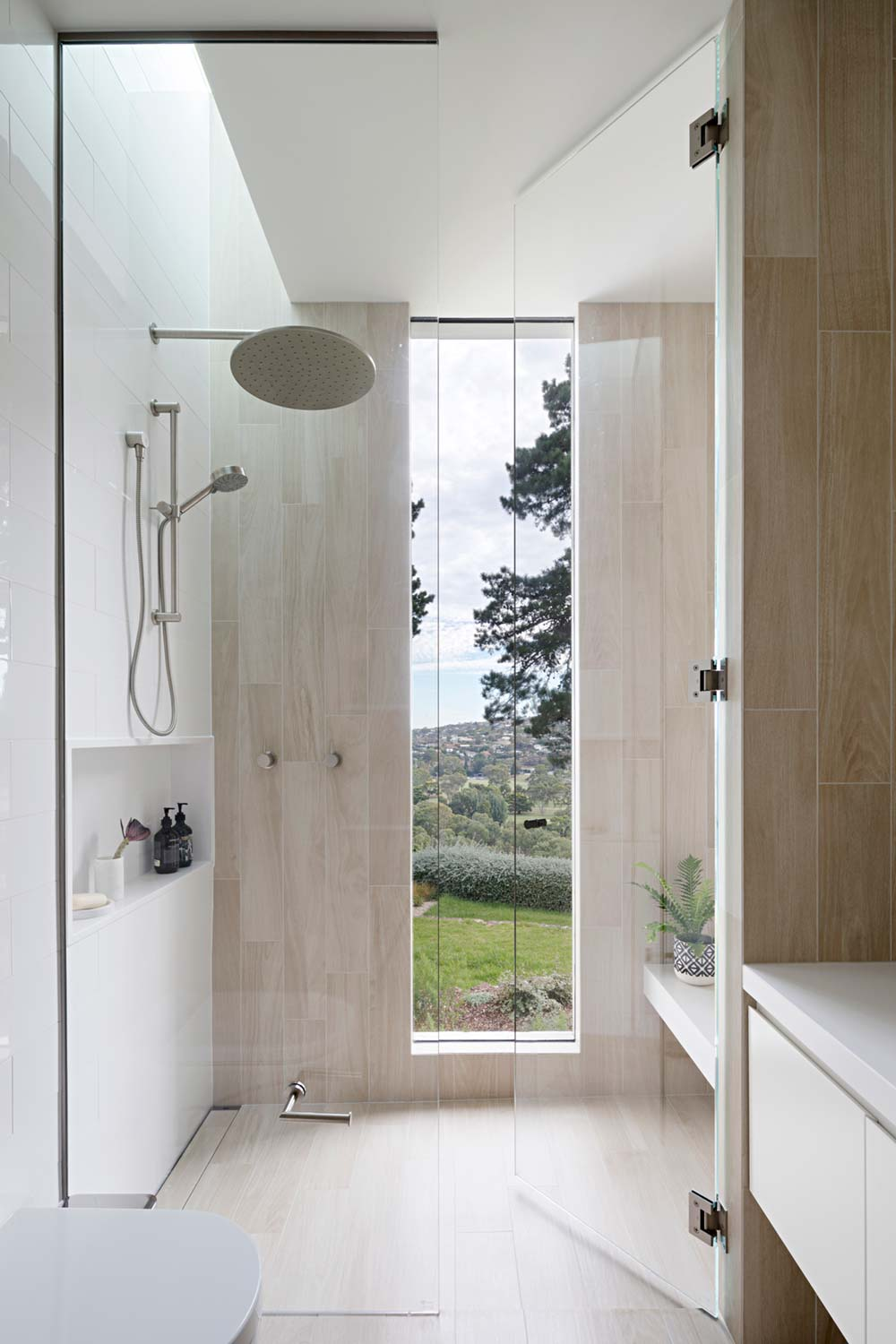 modern mid century shower design - Newtown House