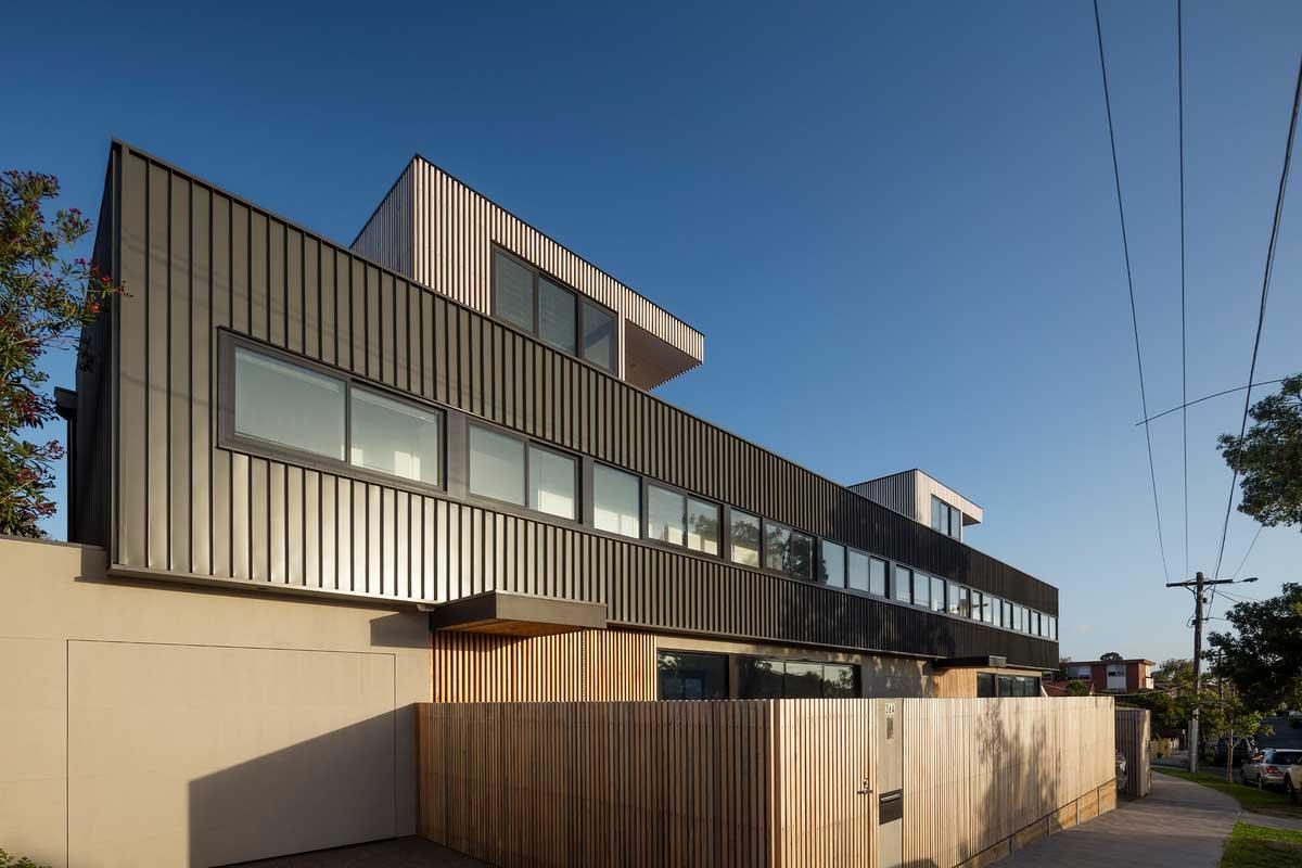 modern multi generation house ja - St Kilda East Townhouses
