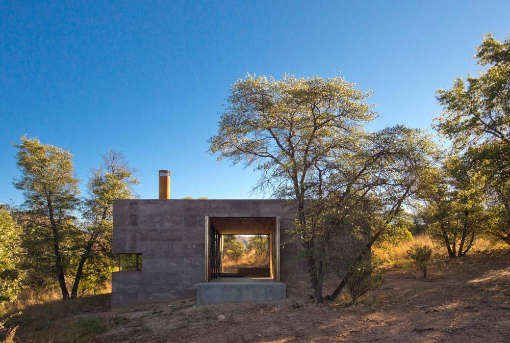 modern off grid cabin dust3 - Casa Caldera