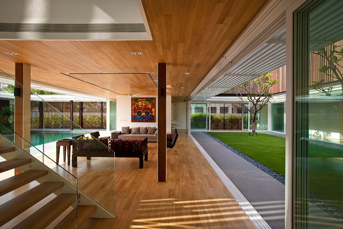 central courtyard home creates an oasis for light & air