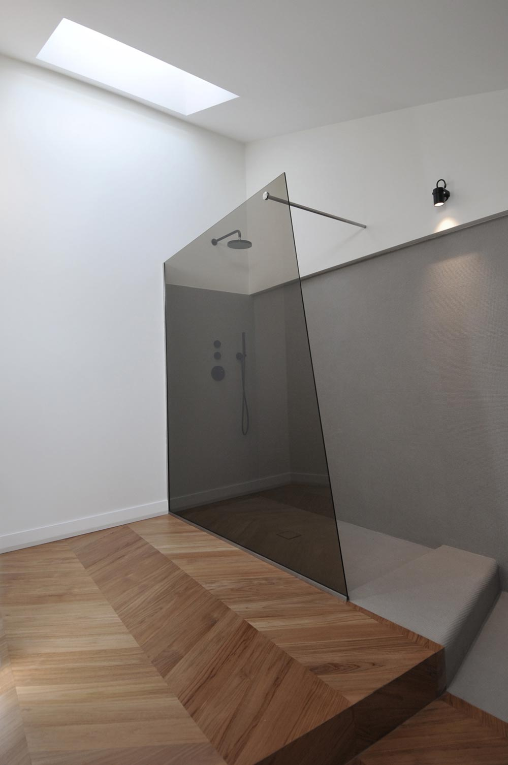 modern penthouse shower design tsa - CDR Penthouse