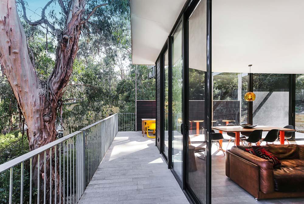 modern-prefab-home-tckr3