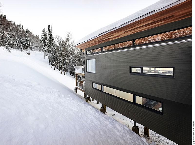 modern ski chalet rc 800x594 - Laurentian Ski Chalet