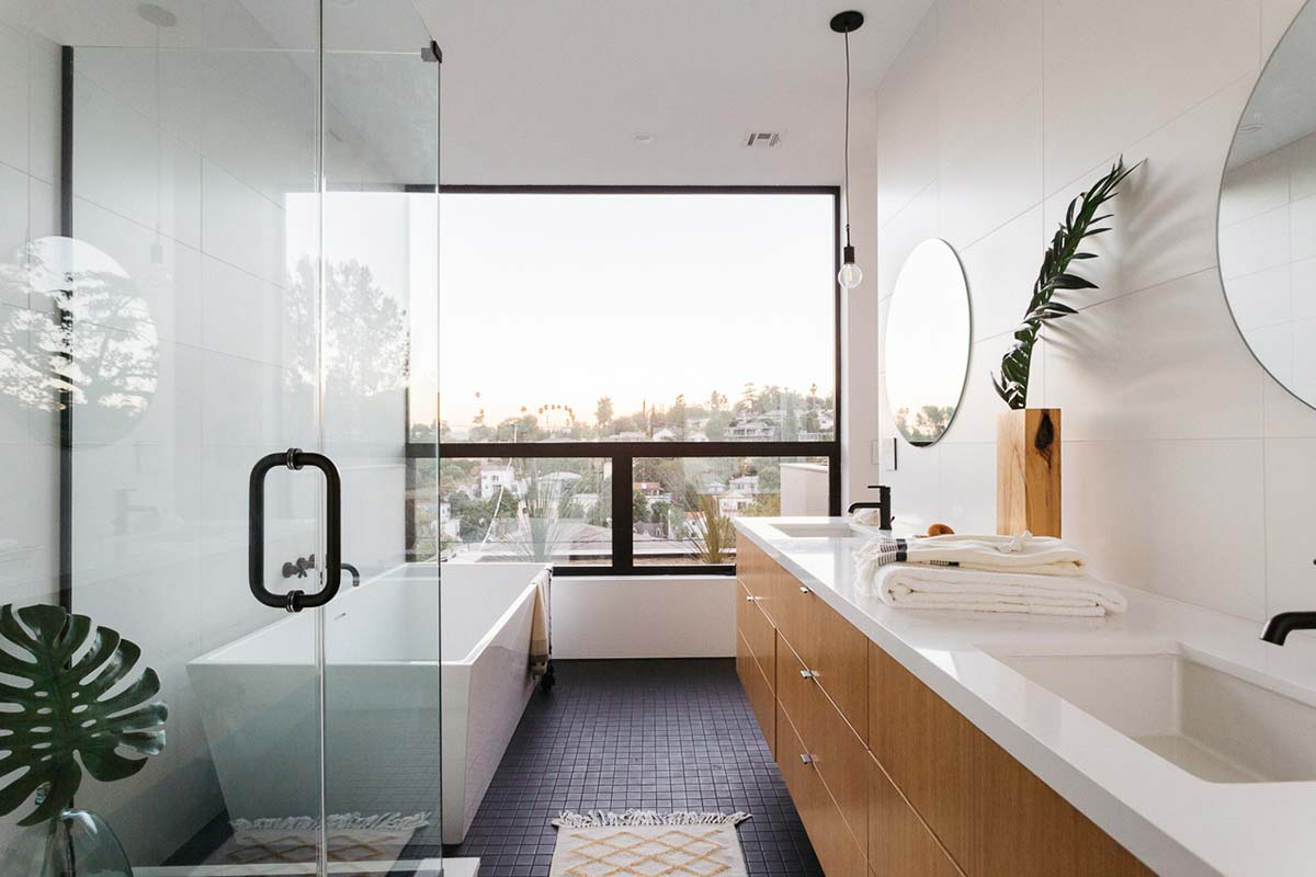 modern slope house bathroom anx - Tilt Shift House