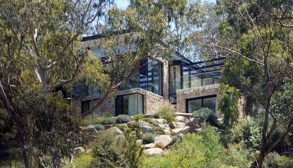 Modern stone house design