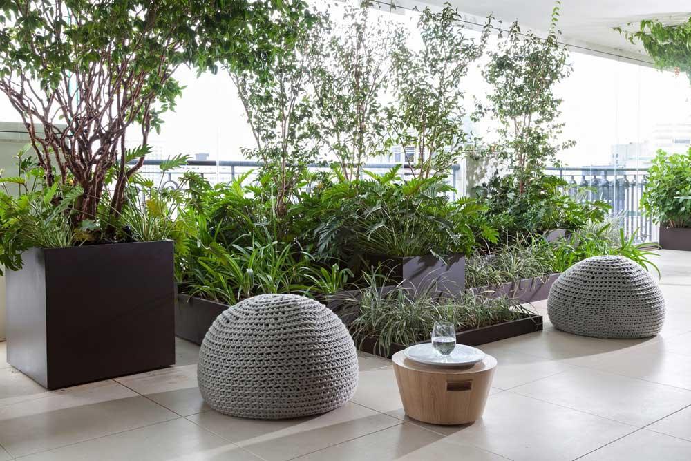 modern terrace design ca - AQH Apartment