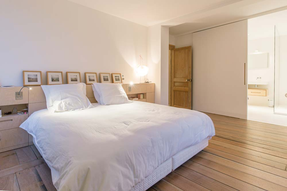 modern townhouse bedroom - Townhouse Renovation in Montpellier